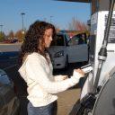 benzine, betalen, prijs, accijns, btw, belasting, benzinepomp, tanken