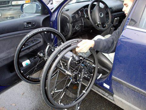 rolstoel, auto