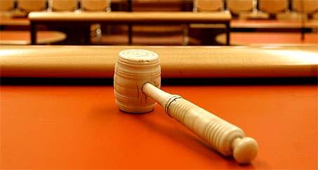 rechtbank. hamer