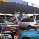 tesco, tankstation, auto's