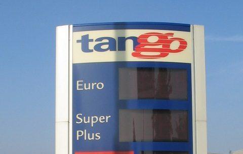Tango, tankstation, prijzenbord