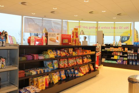 Shell Tankstation Tholen shop