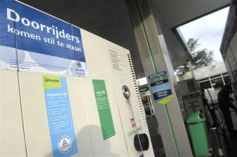 benzinediefstal, doorrijder, tankstation