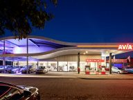 AVIA tankstation Schoonhoven + garage