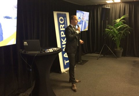 Jan Harmen Akkerman van TanQyou tijdens zijn presentatie op de Tankstation Vakbeurs 2016
