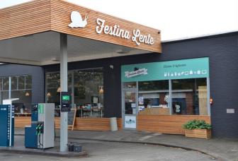 festina-lente-tankstation